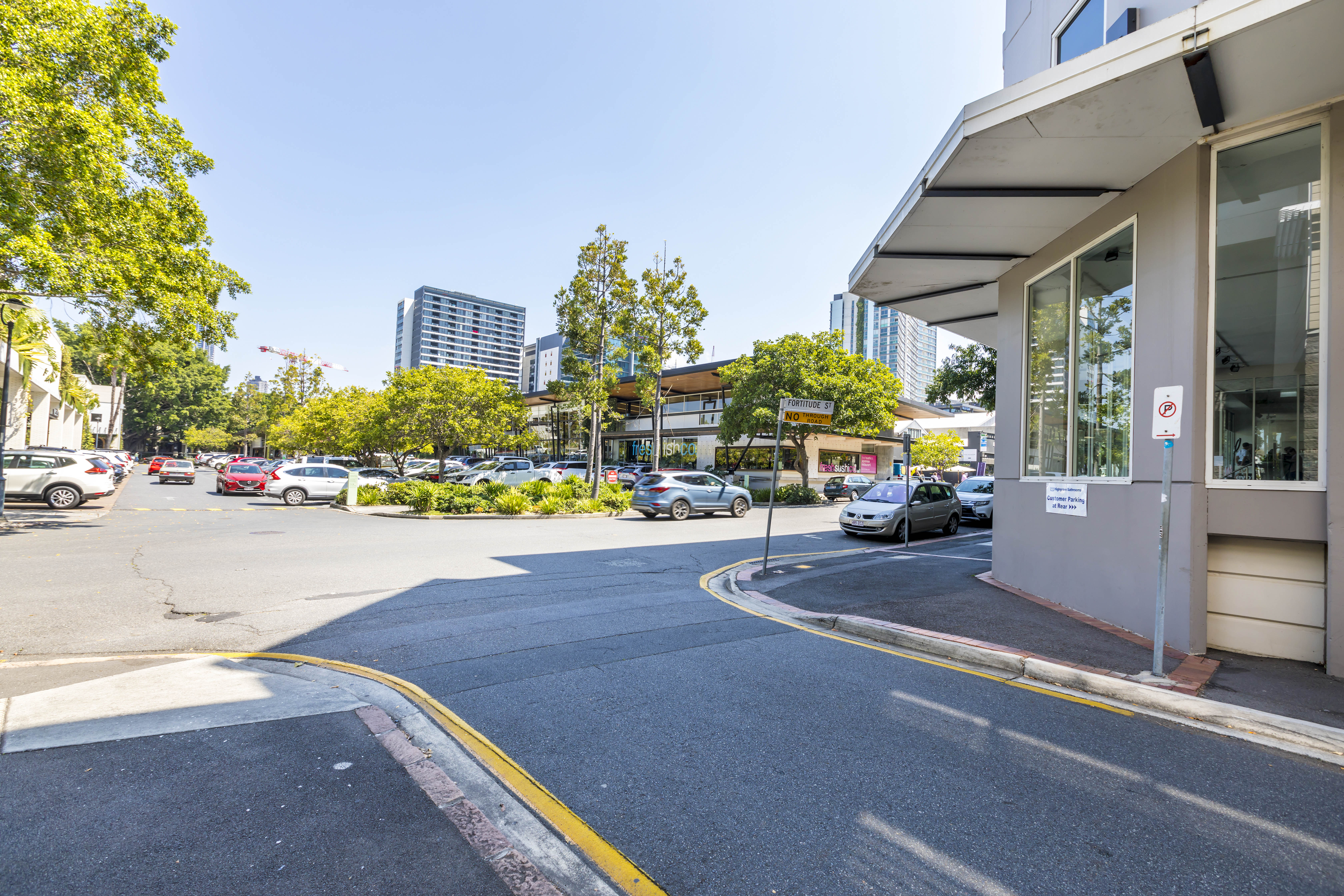 Fortitude Valley commercial retail tenancies in James Street Precinct - Brisbane property real estate agency - Retail showroom